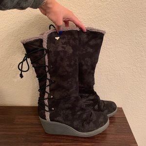 Roxy Wedge Fashion Boot 7